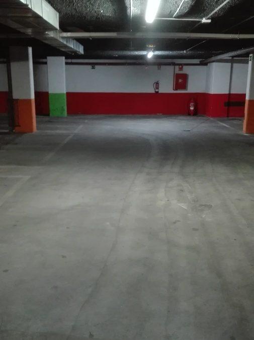 Limpieza de garaje en comunidad de vecinos