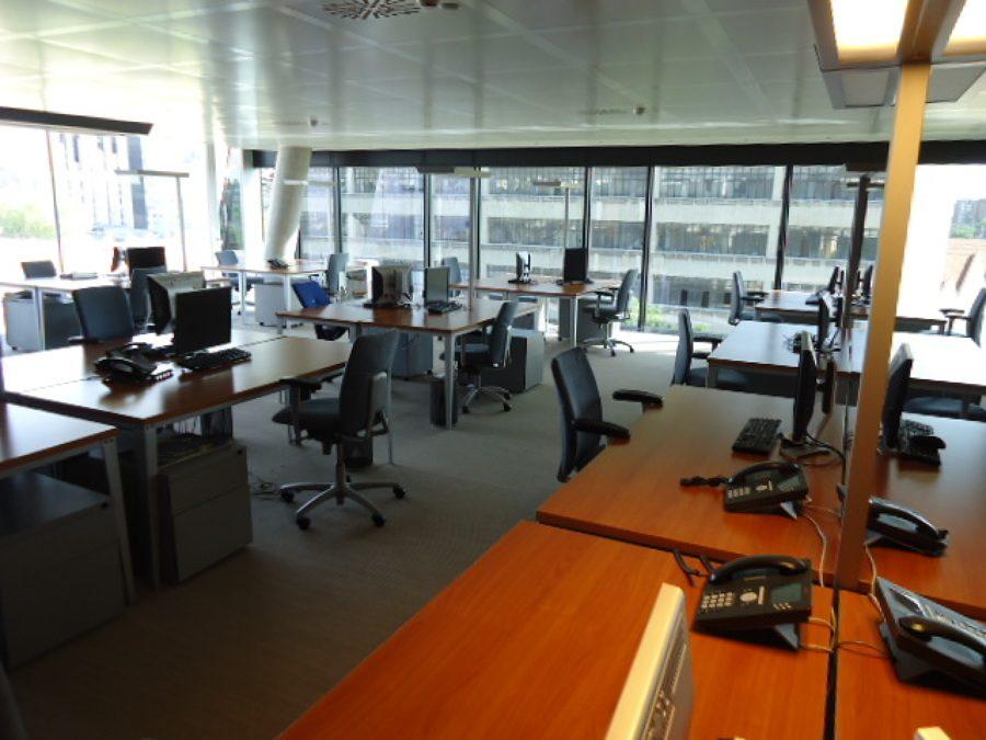Limpieza y conservación de instalaciones en centro de negocios